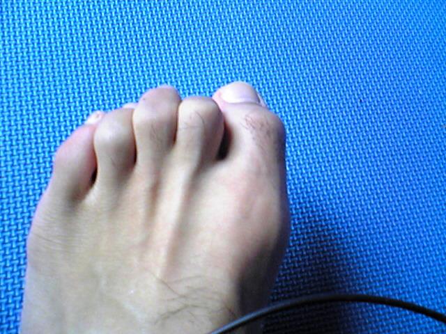 歩ける美脚の為には足の指の退化を防ごう!!